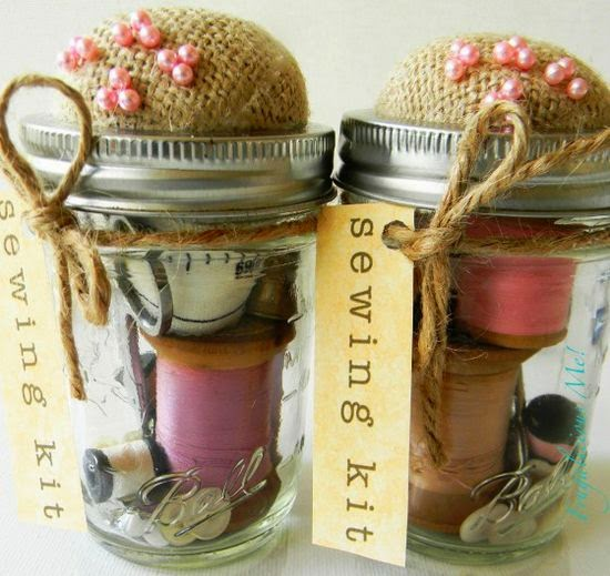 Mason-Jar-Sewing-Kit.-Now-Ive-Got-Gifts-Figured-Out-For-Christmas-This-Year